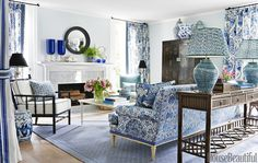 Fascinating living room in blue and white