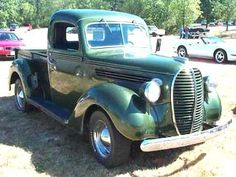 Vintage Trucks Muscle 1938 Ford With side-boards, this forest green pick-up took cattle to and from market. Old Ford Trucks, Old Pickup Trucks, Diesel Trucks, 4x4 Trucks, Ford 4x4, Lifted Ford, Lifted Trucks, Ford Diesel, Farm Trucks