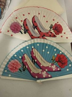 Abanicos Hand Fans, Red Shoes, Numbers, Crafts, Painting, My Love, Hair Combs, Canvases, Paintings