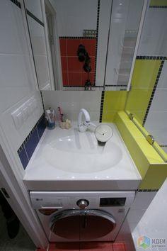 Раковина PAA Claro, латвийская. Размер 60 на 60. Мы долго искали что-нибудь поменьше, глубиной 50, но не нашли. В итоге геометрию стен ванной выкладывали специально под эту модель раковины. И когда уже выложили, у этой же фирмы появилась модель PAA Claro Mini как раз глубиной 50 см.