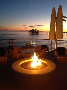 The Carbon Beach Club Restaurant In Malibu Features California Coastal Cuisine Complemented By An Elaborate List