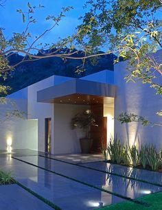 Fachada, entrada casa, por Victoria Plasencia interiorismo