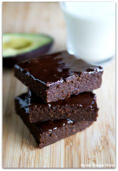 Avocado Brownies via @mysfkitchen// #chocolate #avocado #baking