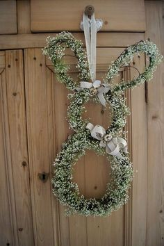 Easter crafts to sell at craft shows – Red Ted Art Diy Crafts For Kids, Crafts To Sell, Eastern Holiday, Easter Wreaths, Christmas Wreaths, Party Vintage, Deco Floral, Easter Activities, Easter Crafts