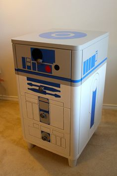Awesome R2D2 Dresser