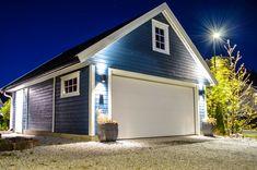 En av våre mest populære modeller med lagringsloft, Hushovdmodellen. Garage Doors, Loft, Outdoor Decor, Home Decor, Model, Homemade Home Decor, Lofts, Decoration Home, Interior Decorating