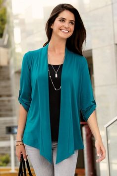Business Casual Outfits, Blouse Dress, Cardigans For Women, Beautiful Outfits, Fashion Outfits, Clothes For Women, Lady, Elegant Chic, High Heels