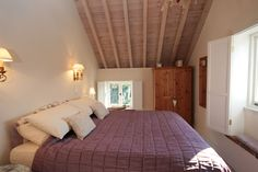 Lavender Cottage, Hindringham, Norfolk - very pretty Flint cottage in a secluded position, close to North Norfolk coast  market towns of Holt and Fakenham. Very high spec and comfortable home from home.  Traditional cottage feel but also flooded with light. From £360.00 pw. Sleeps 4.