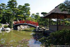 The Nakatsu Banshoen Garden in Marugame City (Kagawa Prefecture) is really beautiful.