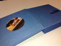 Nowość! Etui otwierane lub rozkładane z płytą CD/DVD.
