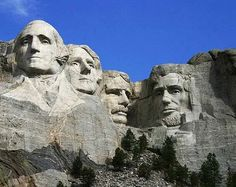 Mount Rushmore in South Dakota and Things to do Nearby. 2 day itinerary in South Dakota. The Devils Tower National Monument. Mont Rushmore, Thomas Jefferson, George Washington, Rapid City South Dakota, Theodore Roosevelt, Dakota Do Sul, Alaska, Donald Trump, Things To Do Nearby