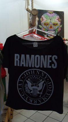 Camiseta Gola Canoa Ramones R$39,00