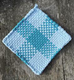 Light blue and green cotton loop pot holder, woven trivet, placemat, hot pad… Potholder Loom, Potholder Patterns, Loom Patterns, Arts And Crafts, Diy Crafts, Loom Weaving, Hot Pads, Green Cotton, House Warming