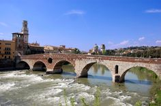 Ponte Pietra a Verona - Werona – Wikipedia, wolna encyklopedia