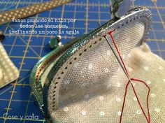 Coin Purse Pattern, Coin Purse Tutorial, Purse Patterns, Fabric Handbags, Fabric Bags, Diy Jewlery Box, Japanese Knot Bag, Frame Purse, Embroidery Bags