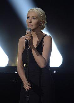 Christina Aguilera�s 2013 AMA Performance Shoots �Say Something� to No. 1
