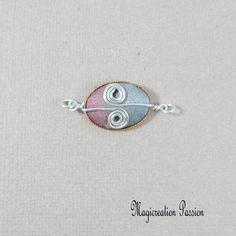 Connecteur cabochon soie rose, gris et argenté Arabesque, Belly Button Rings, Rose Gris, Stud Earrings, Cabochons, Montage, Boutique, Jewelry, Pink Silk