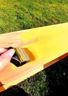 Peindre un meuble en bois avec de la peinture à la craie | Colorantic Lolo, Kitchen, Decor, Art, Chalk Painting, Glass Garden, Wood Furniture, Vintage Paintings, Art Background