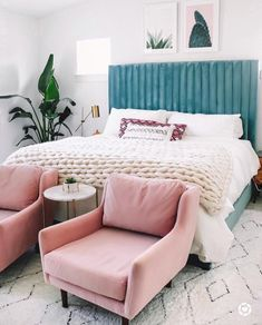 These rooms boast mid-century modern bedroom design and are just as sleek and st. - Modern Home Design - Bedroom Interior Design Minimalist, Modern Bedroom Design, Bedroom Designs, Modern Bohemian Bedrooms, Bohemian Style, Decoration Inspiration, Room Inspiration, Decor Ideas, Apartment Ideas