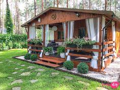 Jak urządzić drewniany taras? Moje sposoby na wyjątkowy klimat. - Twoje DIY Bamboo House Design, Simple House Design, Patio Gazebo, Pergola, Backyard, Village House Design, Village Houses, Rest House, House In The Woods