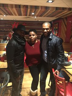 Catching up with my high school friend @shawn.joyner that I haven't seen in London Town and also nice to meet @pastorwillhorn too. #oldfriends #fashionistas #catchingup #London #England #hat #naturalista #stunners #beautifulinsideout #LizLegunsen #fashion #style #hairstyles
