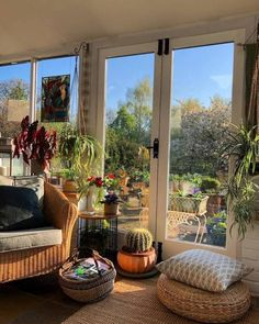 Lounging by a beautiful garden - - Lounging by a beautiful garden Ideas for the House Home Interior Design Aesthetic Room Decor, Aesthetic Plants, Retro Aesthetic, Dream Apartment, Cozy Apartment Decor, Dream Rooms, House Rooms, Living Rooms, Living Spaces
