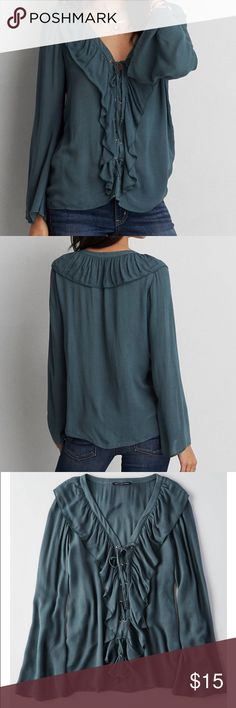 AEO Ruffle Top 💙 Cute and modern Top with ruffles that nod to romantic style. Lightweight fabric, effortless and relaxed. 😌👌🏻 Your go-to everyday fit. American Eagle Outfitters Tops Blouses