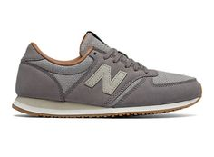 Street-chic style is at it's finest with the 420 NB Grey. Shoe features leather and suede materials and a lightweight EVA midsole for unbeatable comfort.