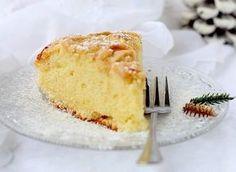 Una classica torta di mele, con un di olio d'oliva nell'impasto e fettine di mele.