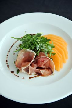Food Photography 859835753837962042 - Nick Nairn's Melon & Parma Ham Starter Source by denisrebecchi Gourmet Recipes, Appetizer Recipes, Cooking Recipes, Healthy Recipes, Appetizers Kids, Wedding Appetizers, Sushi Recipes, Gourmet Desserts, Gourmet Foods