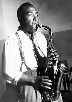 """Portrait of Charlie """"Bird"""" Parker playing the saxophone Jazz Artists, Jazz Musicians, Music Artists, Blues Artists, Jazz Blues, Blues Music, Melody Gardot, Francis Wolff, Jazz Players"""