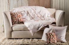 Lulla Smith Bedding Longfellow Douillette/Duvet & Dec Pillows -The Longfellow silk velvet throw and decorative pillow are available in five luscious colors. Dreams Beds, Luxury Throws, Down Comforter, Vintage Pillows, Pillow Fabric, Fine Linens, Duvet Sets, Luxury Bedding, Vintage Furniture
