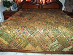Green Bed Cover Kutch Embroidered India Bedspreads Mirror Work Tapestry Throw | eBay Green Bed Covers, Indian Bedding, Indian Tapestry, Green Bedding, Traditional Quilts, Mirror Work, Bed Throws, Bed Spreads, King Size