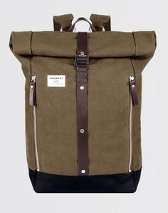 Sandqvist crafted the Rolf Rolltop Backpack in Olive with waxed heavy 18 oz cotton canvas and leather details for ultimate durability. Waxed Canvas, Cotton Canvas, Roll Top, Man Purse, Ipad Sleeve, Cool Backpacks, Jordan, Minimalist Design, Backpack Bags