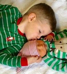 Newborn christmas pictures amazing moment 34 - YS Edu Sky