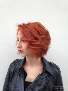 women redhead ginger copper hairstyle