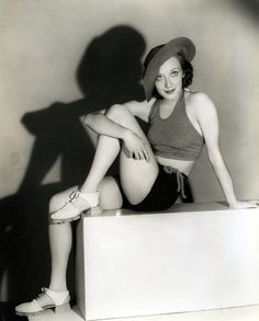 Ann Dvorak (August 1911 – December was an American stage and film actress. Golden Age Of Hollywood, Vintage Hollywood, Hollywood Glamour, Hollywood Stars, Classic Hollywood, Joan Crawford, Instagram Popular, Cinema, Popular People