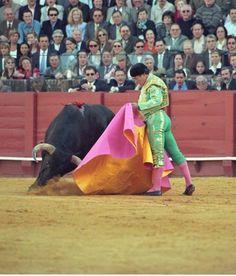 Curro Romero Western Art, Veronica, Westerns, Mens Fashion, History, Artist, Hobbies, Inspiration, Sevilla