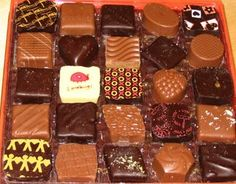 jacques torres chocolates NYC---some of the best stuff you will ever put in your mouth! Chocolate Stores, Max Brenner, Looks Yummy, Holiday Baking, Delish, Sweet Tooth, Sweets, Snacks