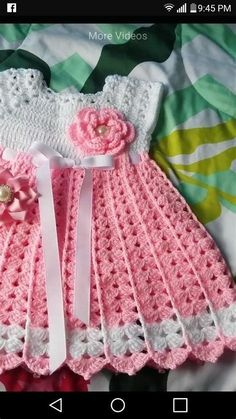 Crochet Baby Dress Free Pattern, Baby Dress Patterns, Crochet Baby Clothes, White Baby Dress, Crochet Girls, Baby Girl Headbands, Baby Sweaters, Baby Knitting, Pictures