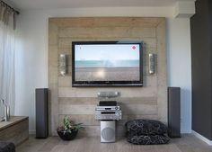 Tv wand van steigerhout.  Ziet er stoer uit en geen kabel in het zicht!