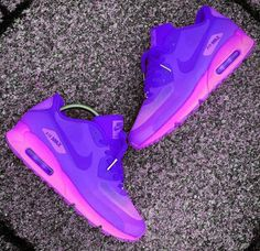See related links to what you are looking for. Cute Sneakers, Girls Sneakers, Casual Sneakers, Sneakers Nike, Nike Free Outfit, Nike Free Shoes, Nike Shoes Outlet, Zapatillas Nike Air, Air Max 90 Leather