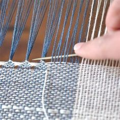 Loulou le routard Now . 2019 Loulou le routard Now . The post Loulou le routard Now . 2019 appeared first on Weaving ideas. Inkle Weaving, Inkle Loom, Weaving Art, Tapestry Weaving, Weaving Designs, Weaving Projects, Weaving Patterns, Weaving Techniques, Textiles Techniques