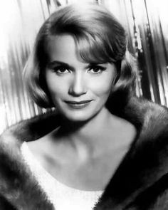 Eva Marie Saint / North By Northwest, On The Waterfront, Raintree County. Eva Marie Saint, Golden Age Of Hollywood, Vintage Hollywood, Classic Hollywood, Famous Photos, Famous Faces, Female Actresses, Actors & Actresses, Classic Actresses
