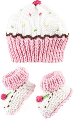 Art Walk Cupcake Hat and Bootie Set