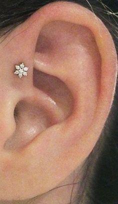Simple Crystal Flower Forward Helix Earring Cute Ear Piercing Ideas for Women - . - The Best Piercing Constellation IDeas & Images Ear Piercing Studs, Cute Ear Piercings, Piercing Tattoo, Unique Piercings, Bar Stud Earrings, Bridal Earrings, Crystal Earrings, Circle Earrings, Silver Earrings