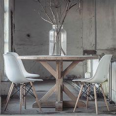 Pin Ronde Eettafel Van De Ikea Uitklapbaar Met 6 On White Interior Design, Interior Styling, Rustic Industrial, Modern Rustic, Rustic Interiors, Modern House Design, Home Kitchens, Sweet Home, New Homes