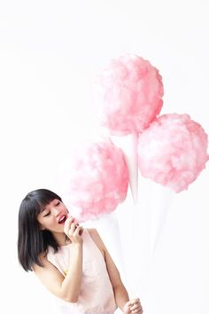 My cotton candy obsession strikes again, and this time we're bringing it into the party category with COTTON CANDY BALLOONS! Festa Party, Diy Party, Party Ideas, Diy Ideas, Decor Ideas, Craft Ideas, Cotton Candy Party, Candy Theme, Candy Floss