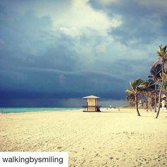 Credit to @walkingbysmiling (@get_repost) ・・・ Storm's a brewing at Hollywood Beach. #walkingbysmiling  #stormyskies #beachstorm #stormsabrewing #photooftheday #floridalife #floridabeachlife #floridastorms  (at The Beautiful Beach Of Hollywood)