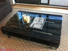 Mesa de Centro com pallet e vidro